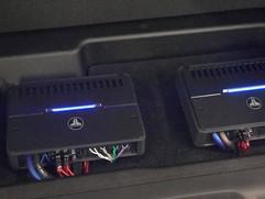 custom amp mount.jpg