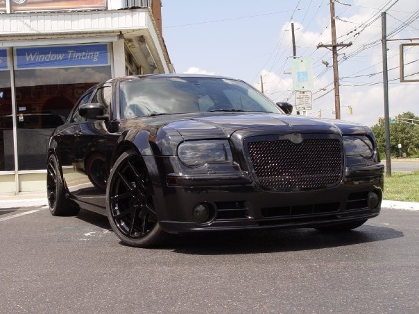 Murdered_Out_300c_SRT8