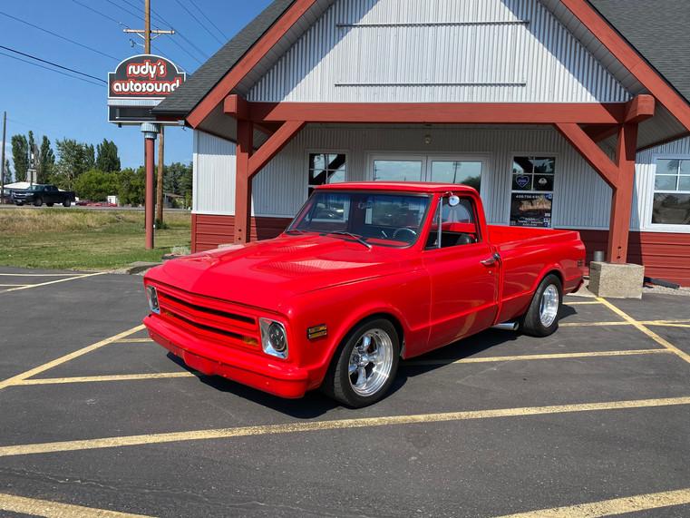 1968 RED CHEVROLET 1.JPG