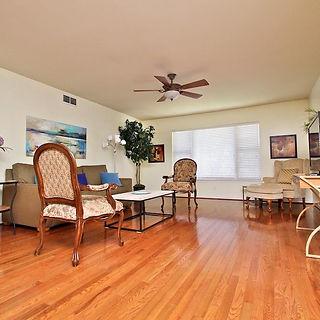 Dallas Short Term Stay Living Room in North Dallas on Baltimore Drive