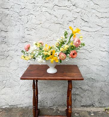 spring centerpiece.jpg