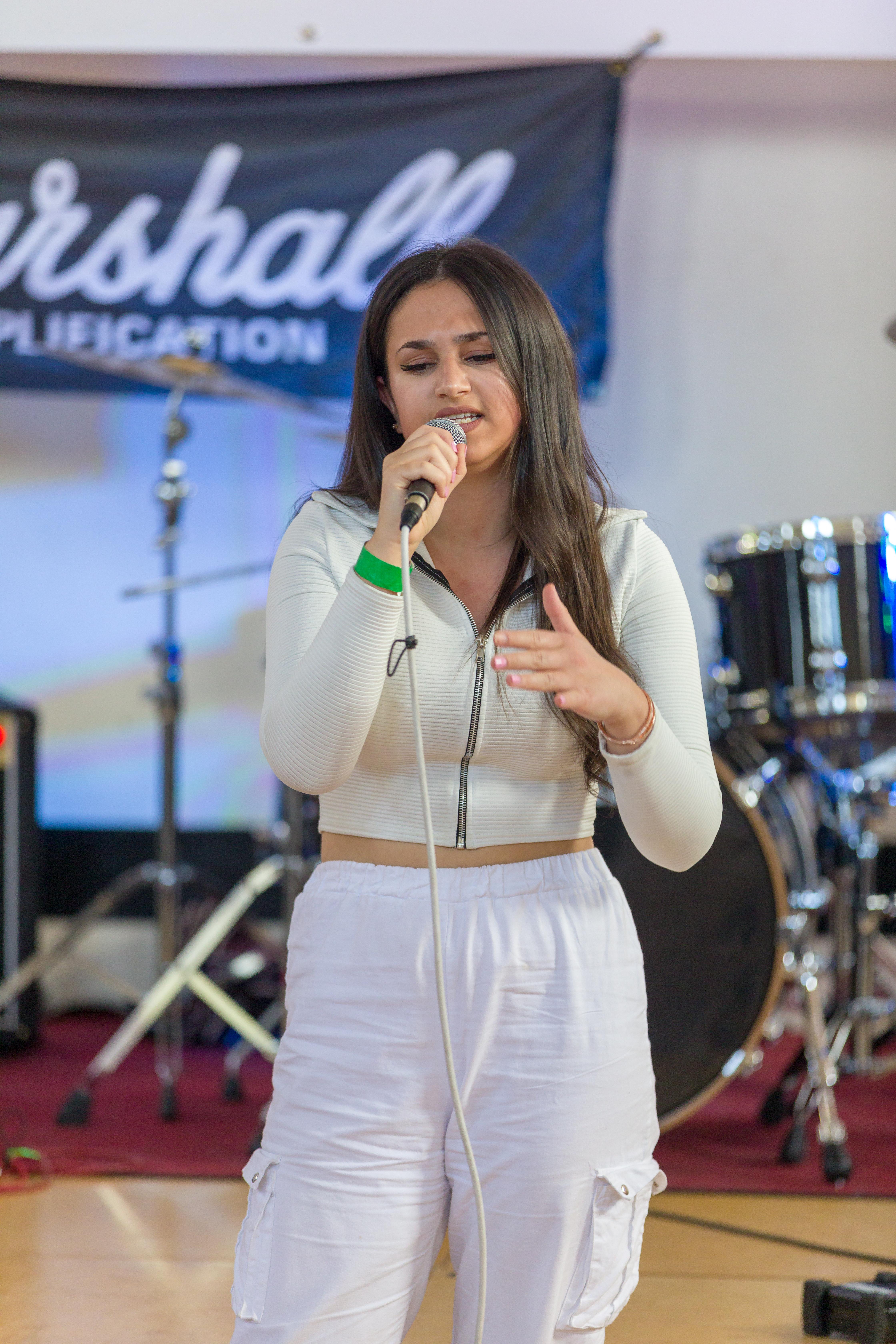 Lydia Singer