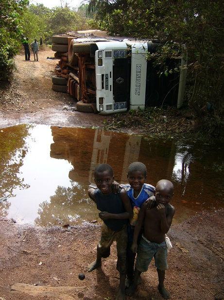 201203_Truck Rollover - Guinea.jpg