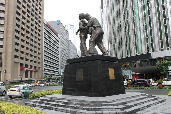 201310_Binigno Aquino statue.jpg