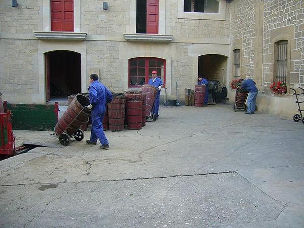 201010_Unloading Tempranillo in tradinio