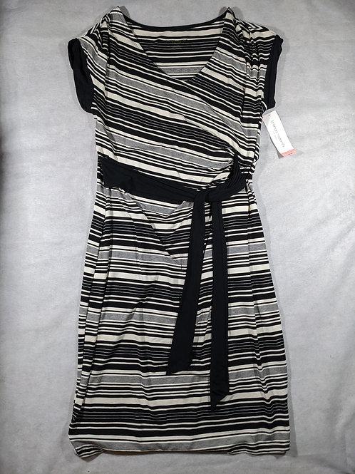 Liz Lange, Short Sleeve Tie Waist Knee length NWT, XL