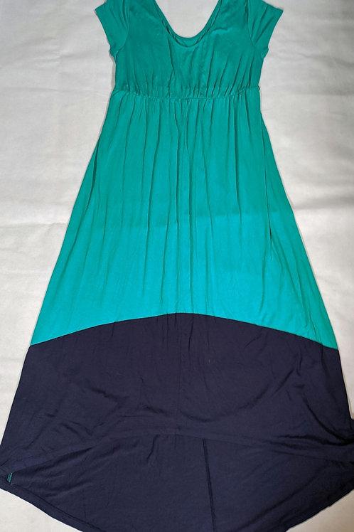 Liz Lange short sleeve maxi dress L