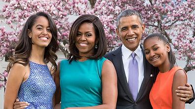 1200px-Obama_Family.jpg