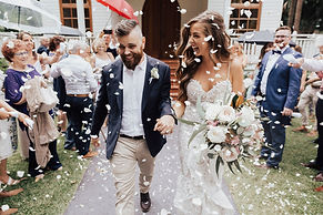 just married confetti exit central coast wedding