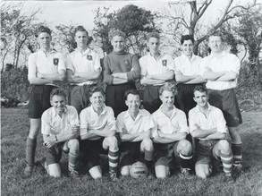 dhs old boys football team 1950