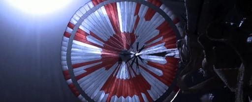 C'è un messaggio segreto codificato nel paracadute di Perseverance. Ma non è l'unico