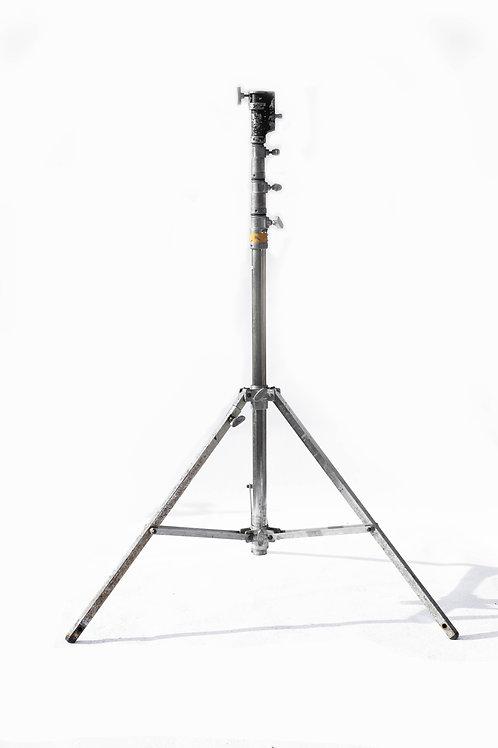 2K Steel Triple Risor Stand