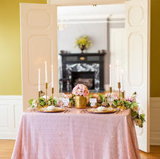 Fabuleux Event Center Sweet Heart Table