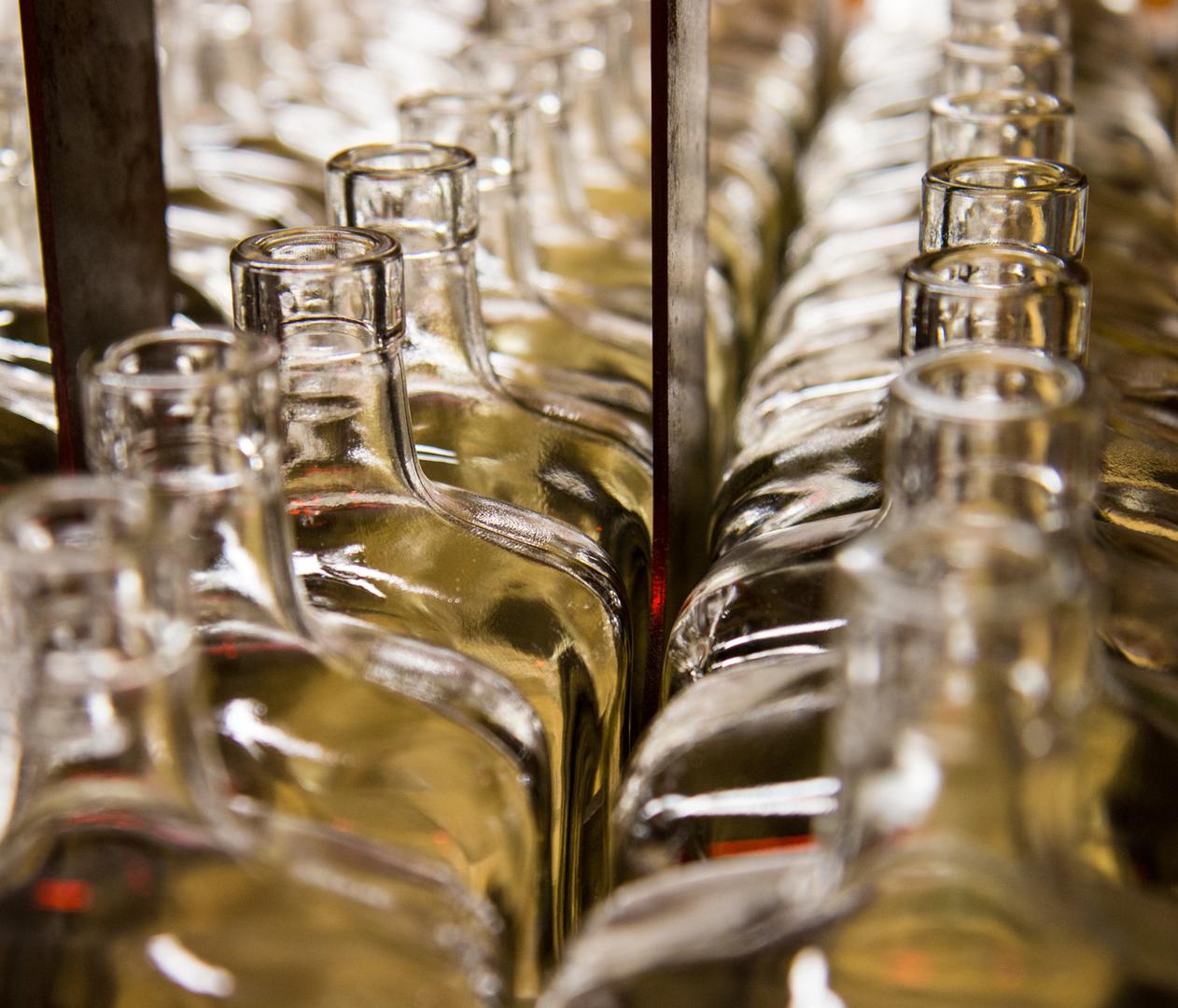 Glasflaschen © Chance - addobe.stock.com