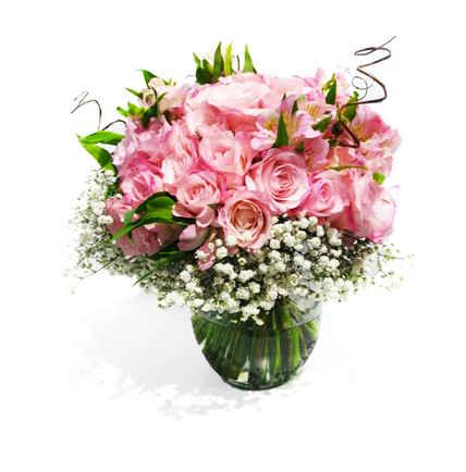 Arranjo com 60 rosas, astromélias, gipso