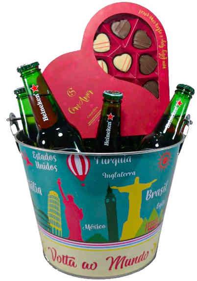 Dt 1214 balde com 08 cervejas Heineken 330ml+coração de chocolates cacau show