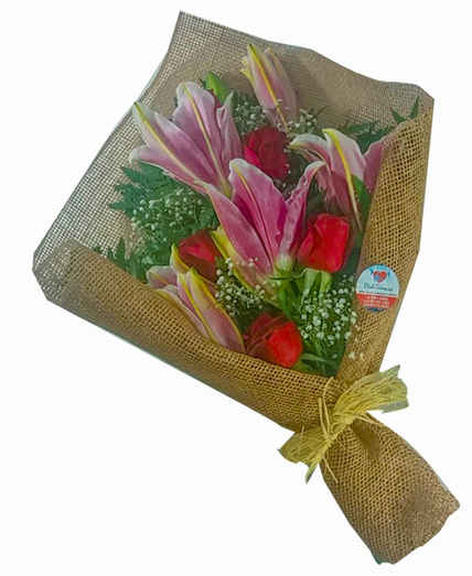 Ramalhete com 04 rosas