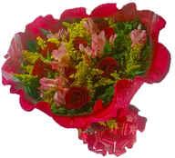 Buque especial 12 rosas com astromélias