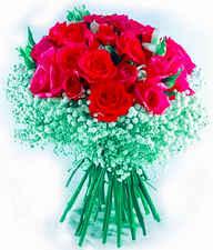Arranjo com 15 rosas