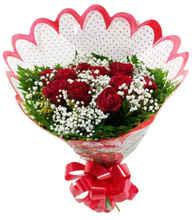 Buquê tradicional 12 rosas, folhagem,tango e GIPSONFILA