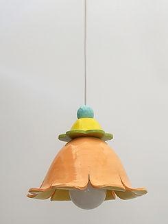 """מנורת פרח כתומה - קוטר 20 ס""""מ 640 ש""""ח"""