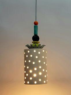 """מנורת קרמיקה עם חורים - קוטר 14 ס""""מ - 690 ש""""ח"""