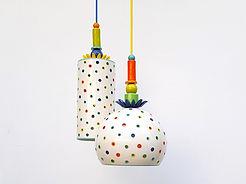 """כדור וגליל תואמים עם חורים וחרוזים צבעוניים, 1400 כ""""א"""