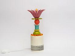 """מנורה קטנה מדליקה צבעונית לחדר שינה -  גובה 30 ס""""מ - 690 ש""""ח"""