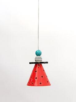 """מנורה קטנטנה - קונוס אדום מקרמיקה - קוטר 10 ס""""מ - 260 ש""""ח"""