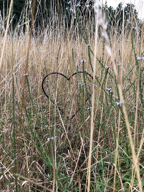 rustic metal heart garden stake small H68cm