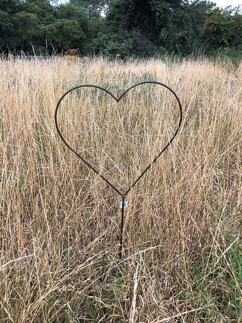 rustic metal heart garden stake medium H136cm
