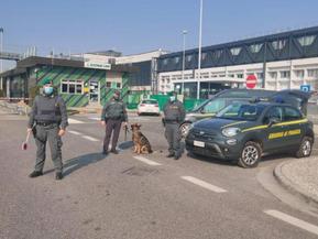 Booking accusata di evasione di 153 milioni di Iva in Italia