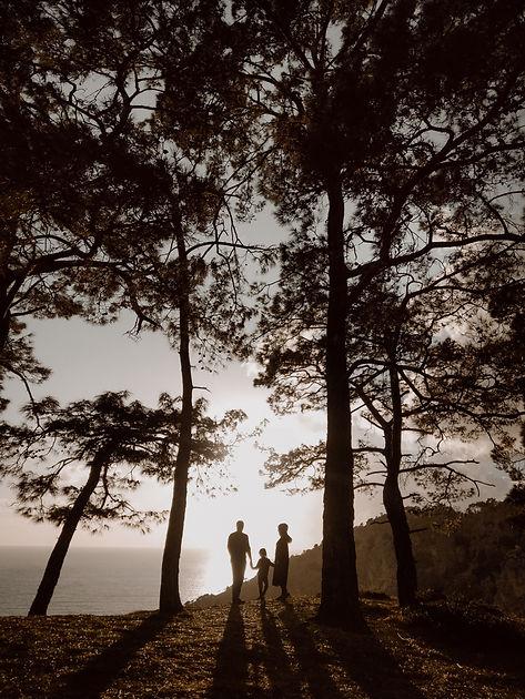 Fethiye düğün fotoğrafçısı Durdali Dalgın eşi ve kızı ile birlikte balayı çiftlerine hizmet vermektedir.