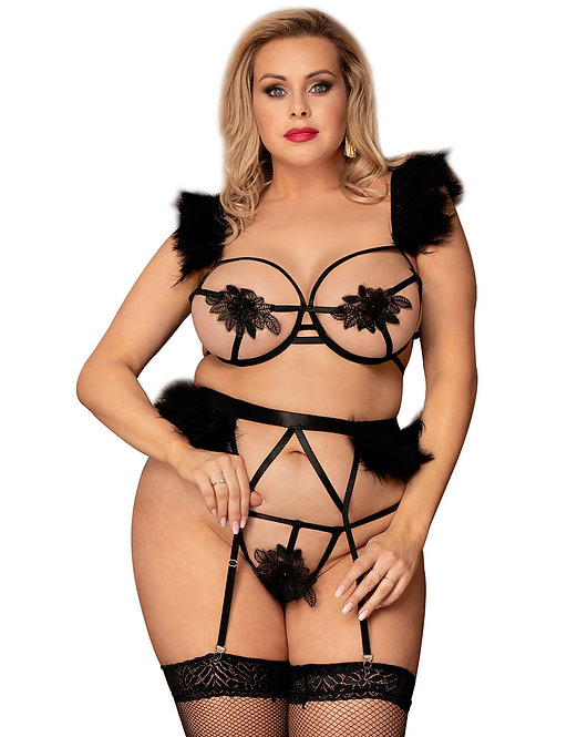 Sexy strappy black plus size lingerie set