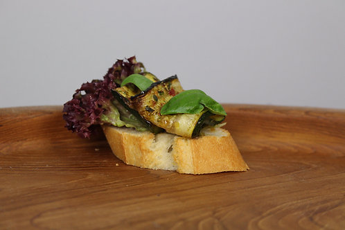 46_ECONOMY: Canapée Gegrillte Zucchini| Auberginen|Pinienkerne