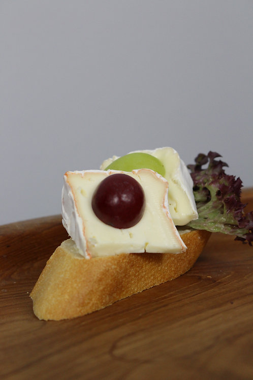 48_ECONOMY: Canapée Französischer Käse| Trauben