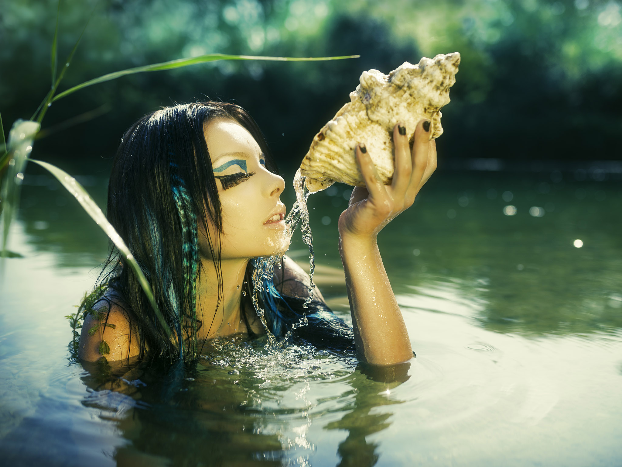 Water Spirit - Shell Flow II