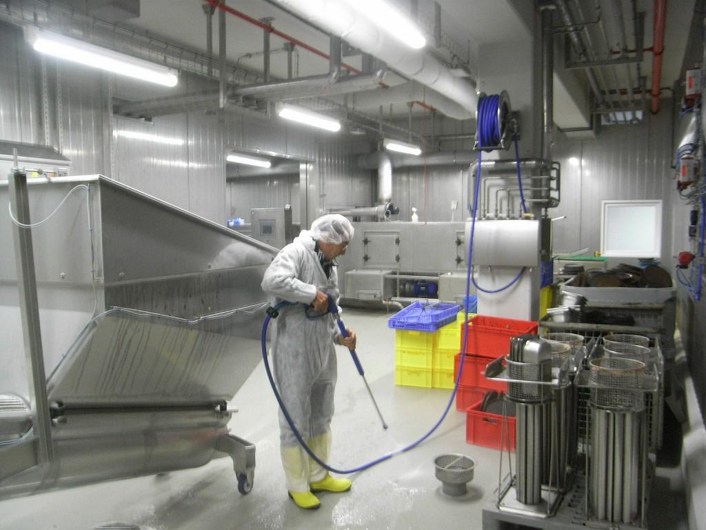 Limpeza E Desinfe O Das Instala Es E Equipamentos Dos