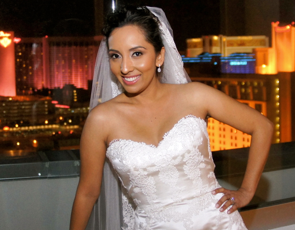 Bride-on-Las-Vegas-strip.jpg