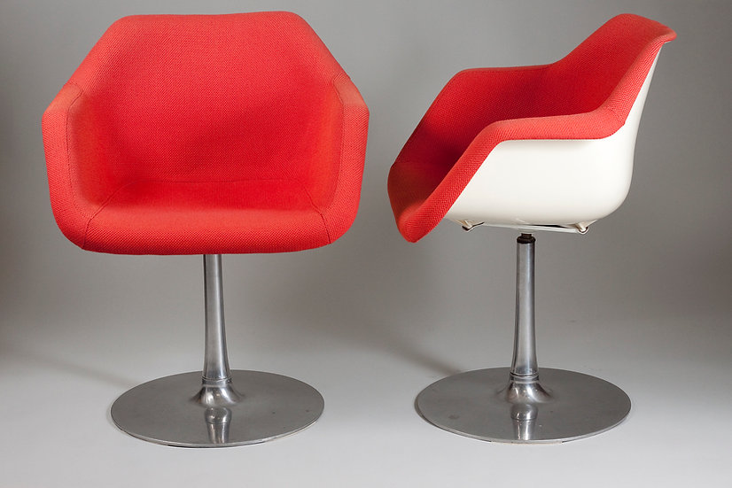 Pair of Red 1960s Chrome Leg Swivel Armchairs by Robin Day for Hille