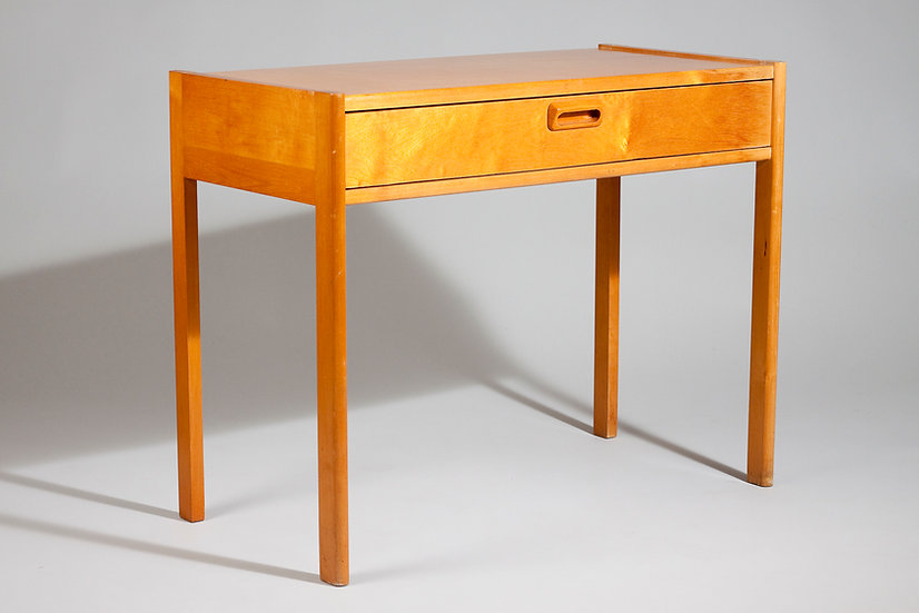 Finnish Mid-Century Birch Side Table With Drawer