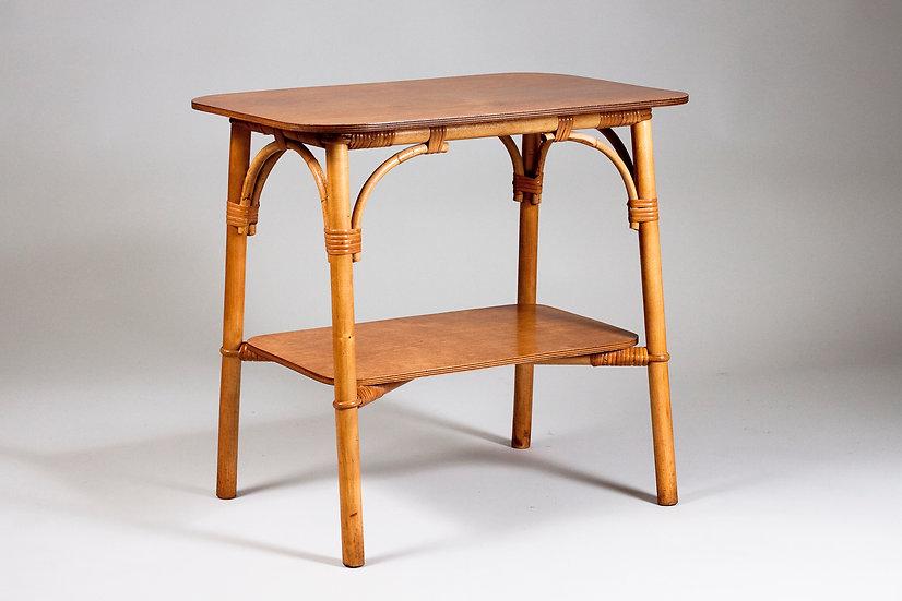 Beutiful Mid-Century Modern Rattan Coffee/Side Table