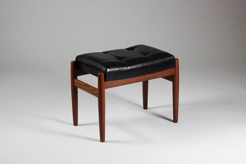 Midcentury leather and teak Ottoman foot stool scandinavian nordic teak hardwood design vintage retro Nordisten