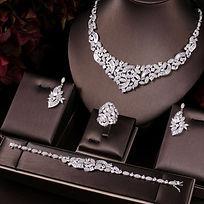 jewelry_luxury_elegant.jpg