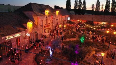 Le Village de Sully de nuit