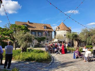 Le Village de Sully