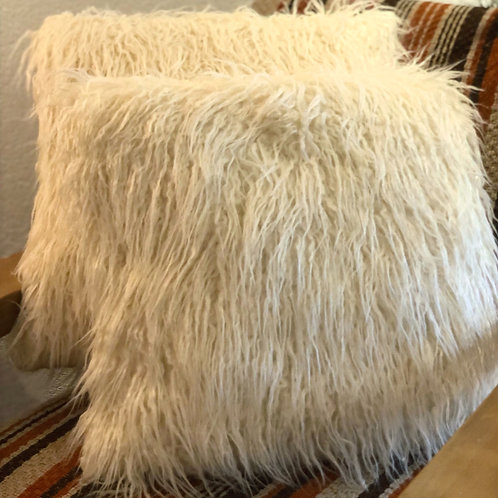 """Coussin """"poil blanc"""""""