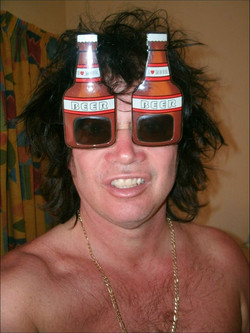 """Safety """"Beer"""" Sunglasses in Cuba"""