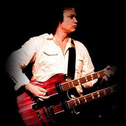 Playing Gibson double neck  / CODA.