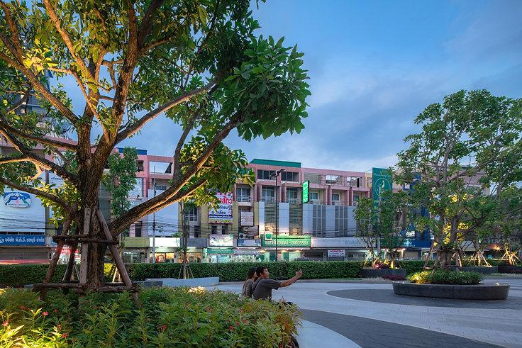central_chonburi_L15.jpg